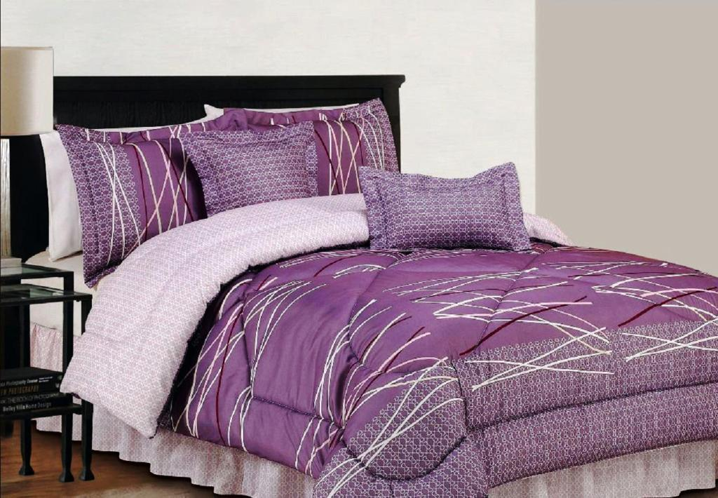 Image of: Throw Pillows For Bed