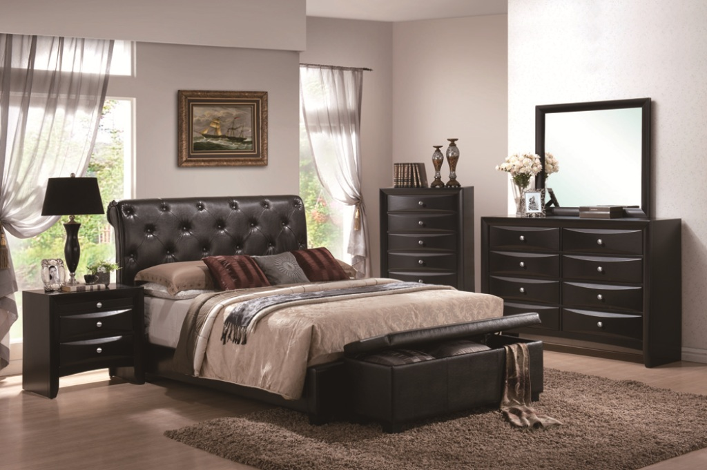 Image of: Tufted Mirrored Bedroom Set