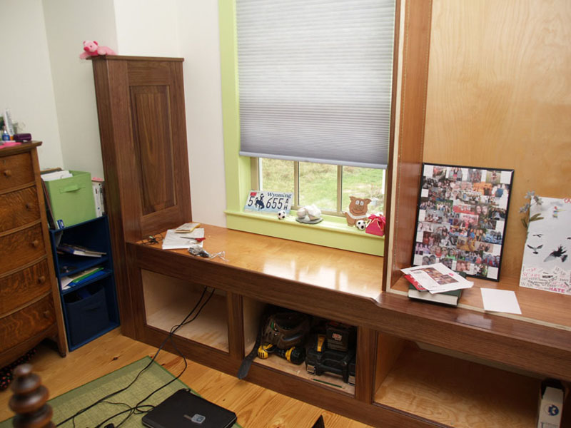 Image of: Under Window Bookcase Plans Special Holiday