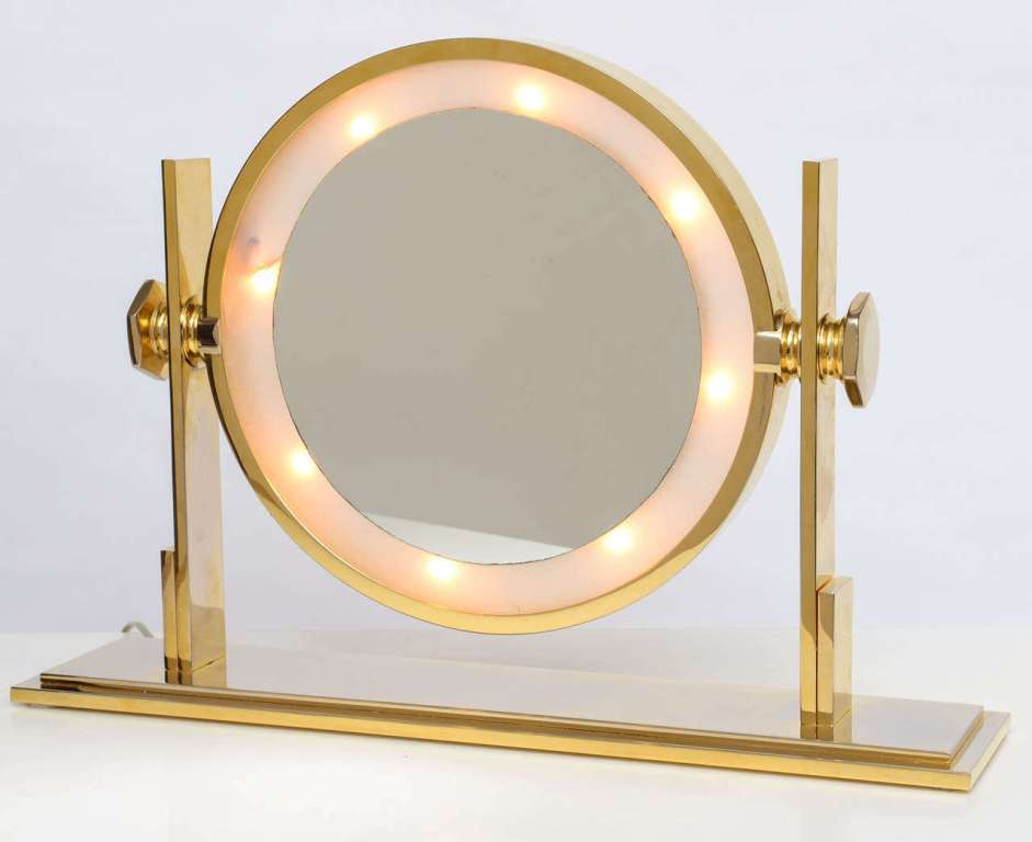 Image of: Unique Table Top Vanity Mirror With Light