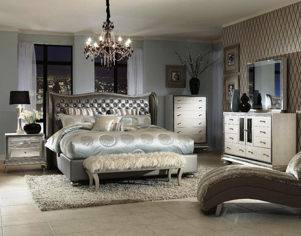 Image of: Upholstered And Wood Bedroom Sets