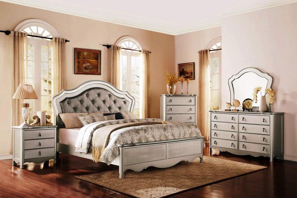 Image of: Upholstered Headboard King Bedroom Sets