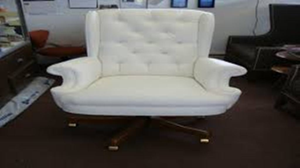 Image of: upholstered office chair with casters