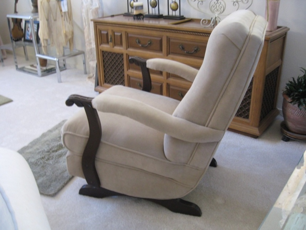 Image of: upholstered rocking chair for kids