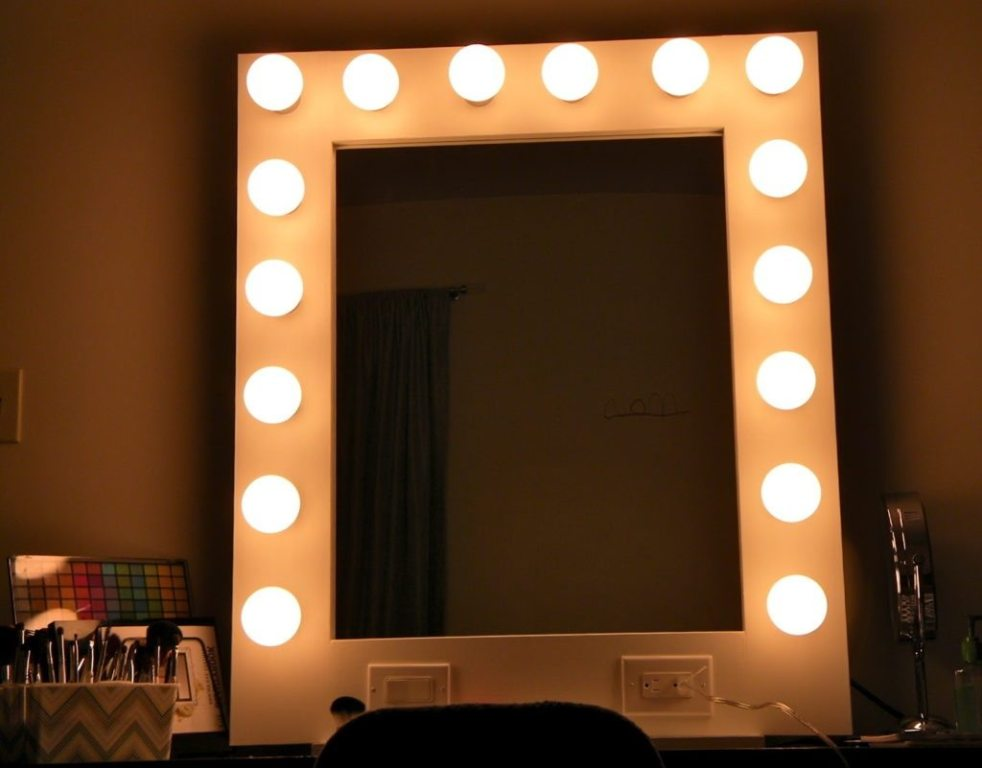 Image of: Vanity Mirror with Light Bulbs Banned