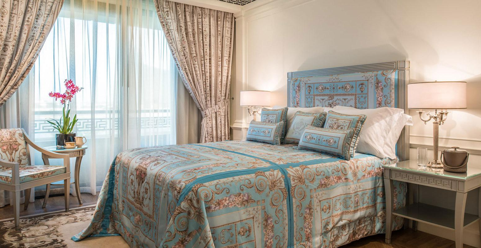 Image of: Versace Bed Set Cheap