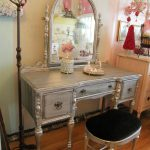 Vintage Mirrored Vanity Table
