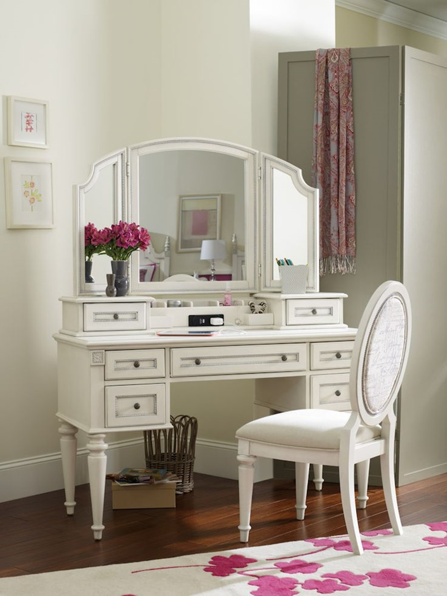 Image of: Vintage Vanity Desk With Mirror