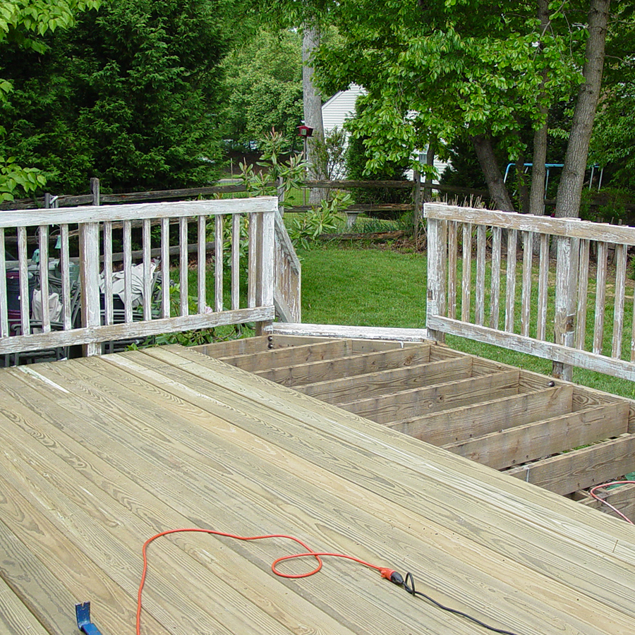 Image of: Vinyl Deck Railing Renovation