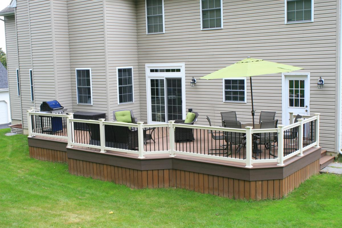 Image of: Vinyl Deck Railing Spindles