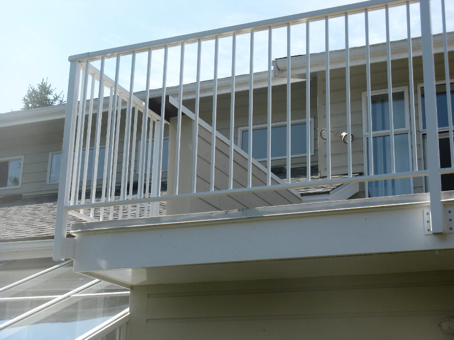 Image of: White Aluminum Deck Spindles