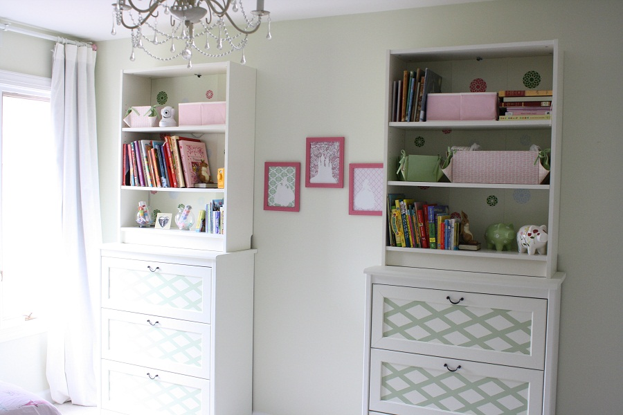 Image of: White Bookcase with Drawers