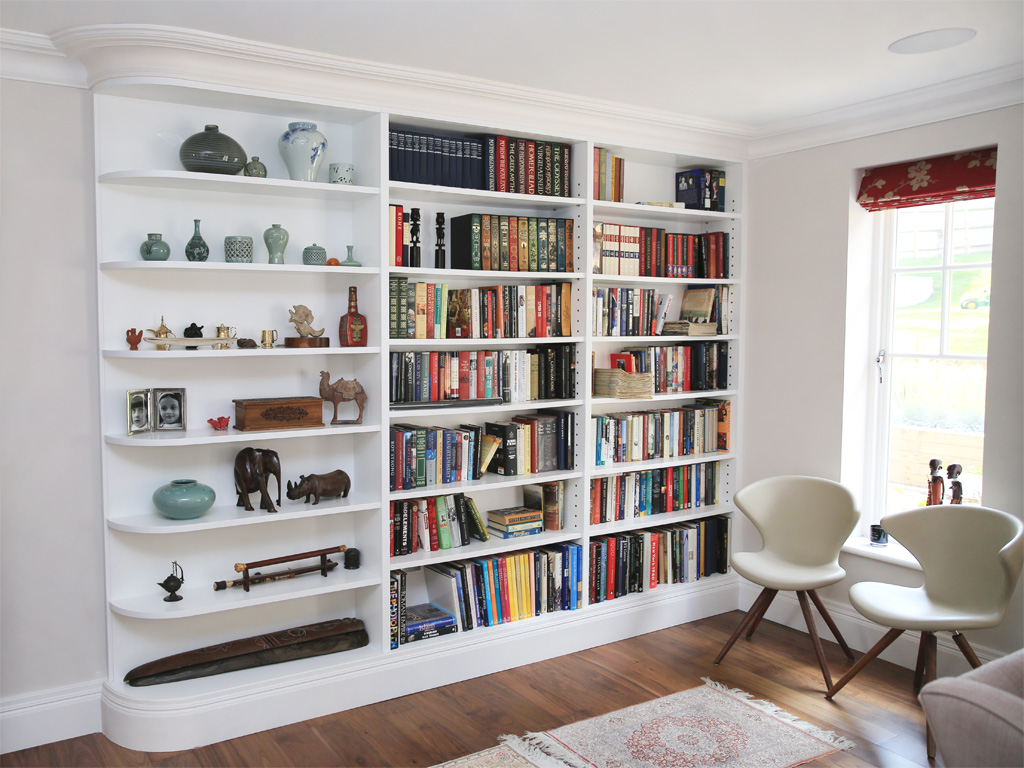 Image of: white built in bookshelves