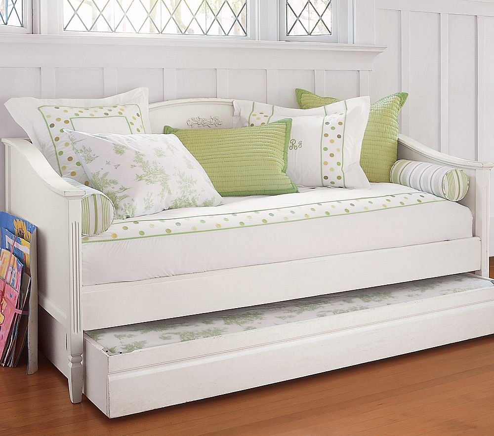 Image of: white daybeds with trundle