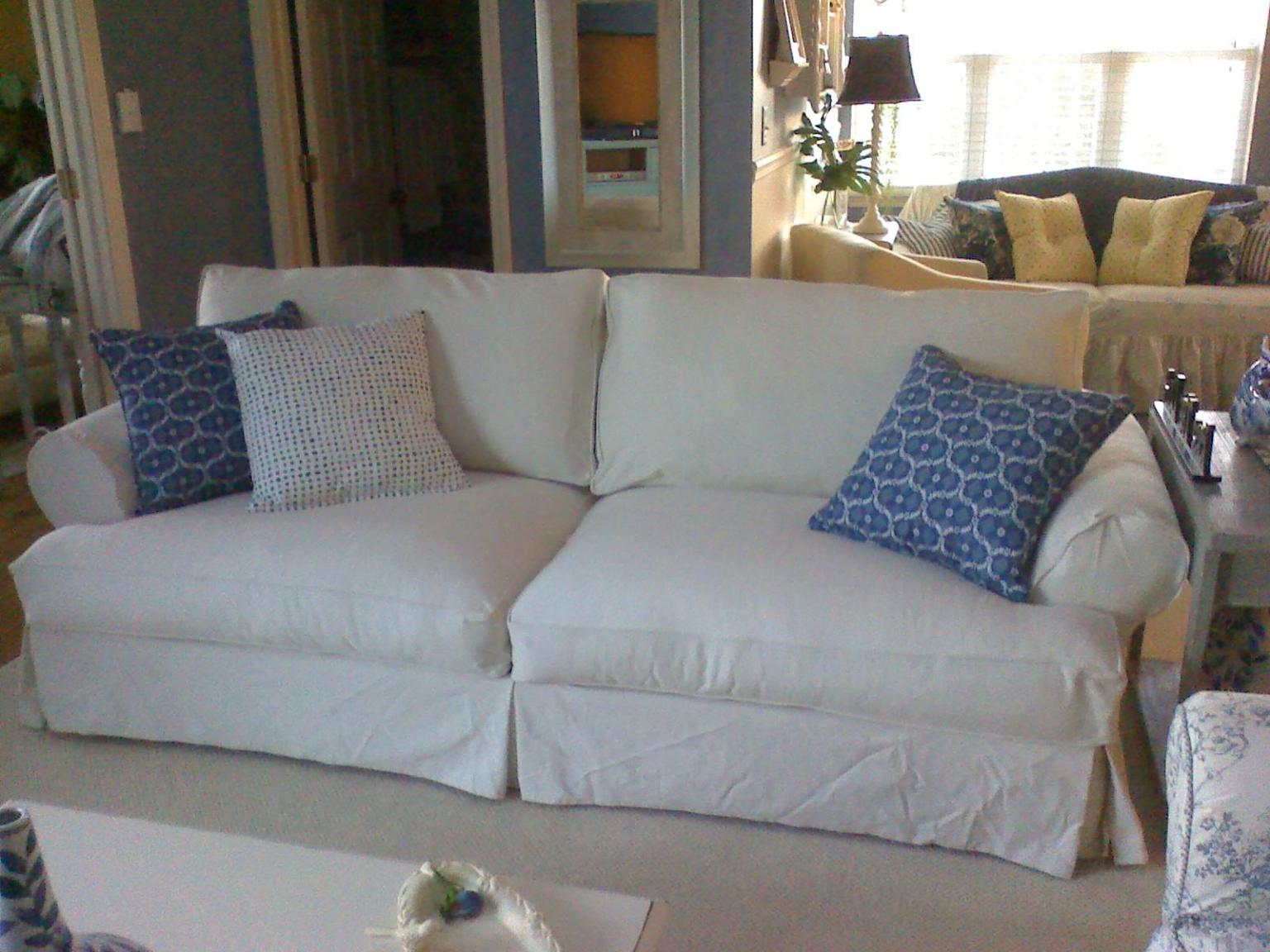 Image of: White Slipcover Sofa