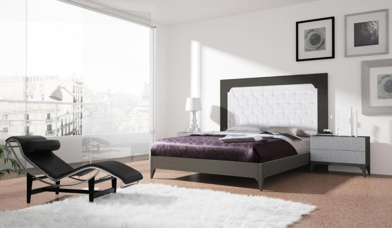 Image of: White Tufted Headboard
