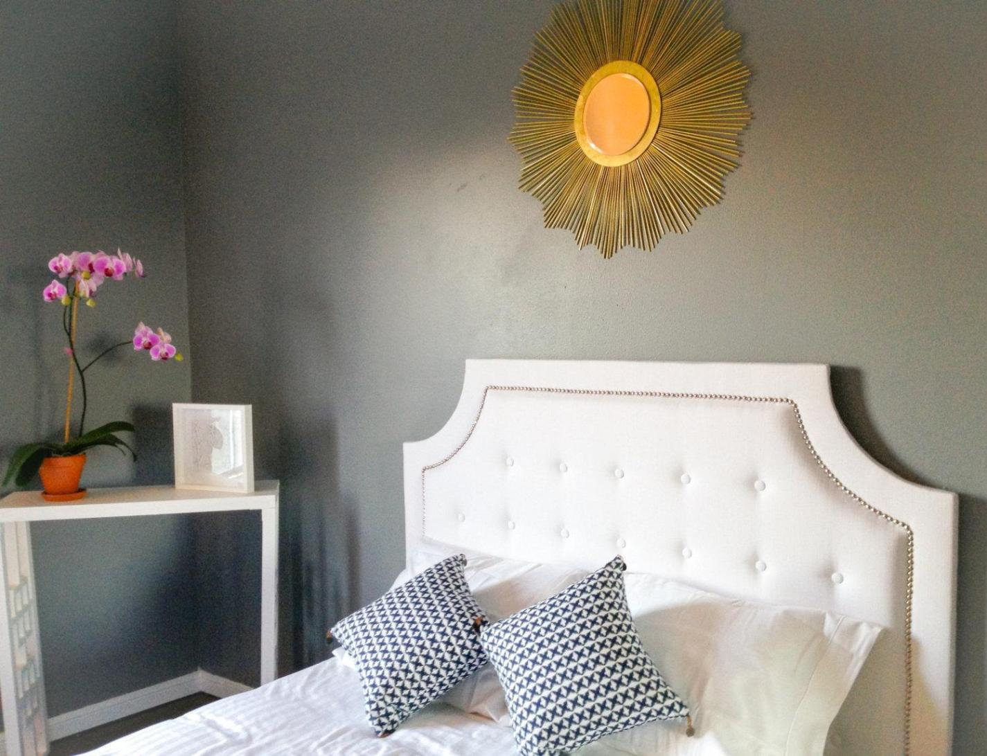 Image of: White Tufted Queen Headboard