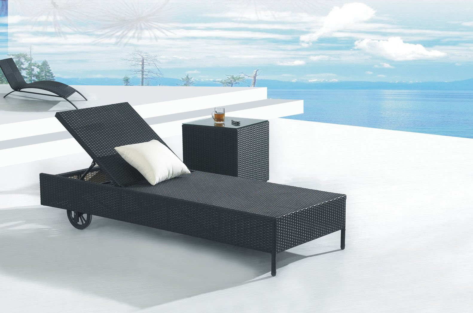 Image of: Wicker Folding Chaise Lounge Chair