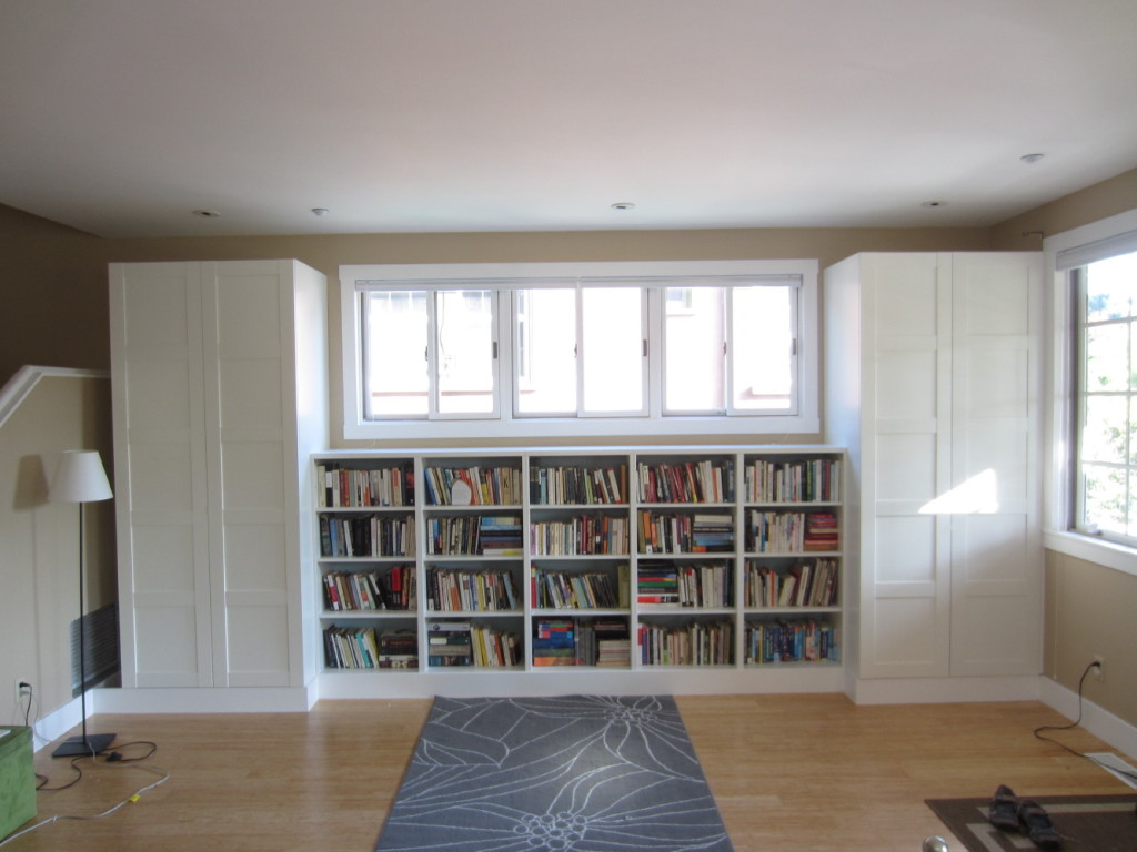 wood built in bookshelves