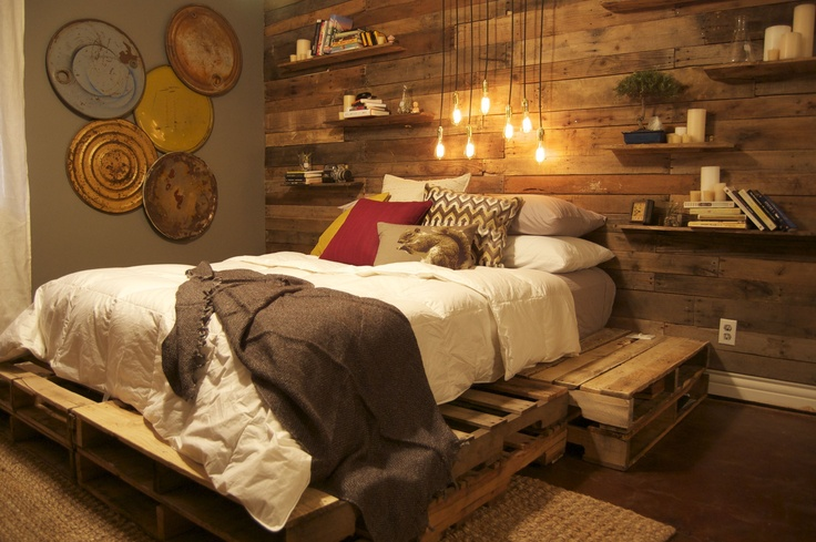 Image of: Wood Pallet Bed With Storage