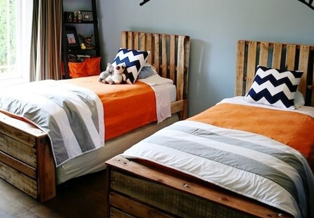 Wood Pallet Bedroom