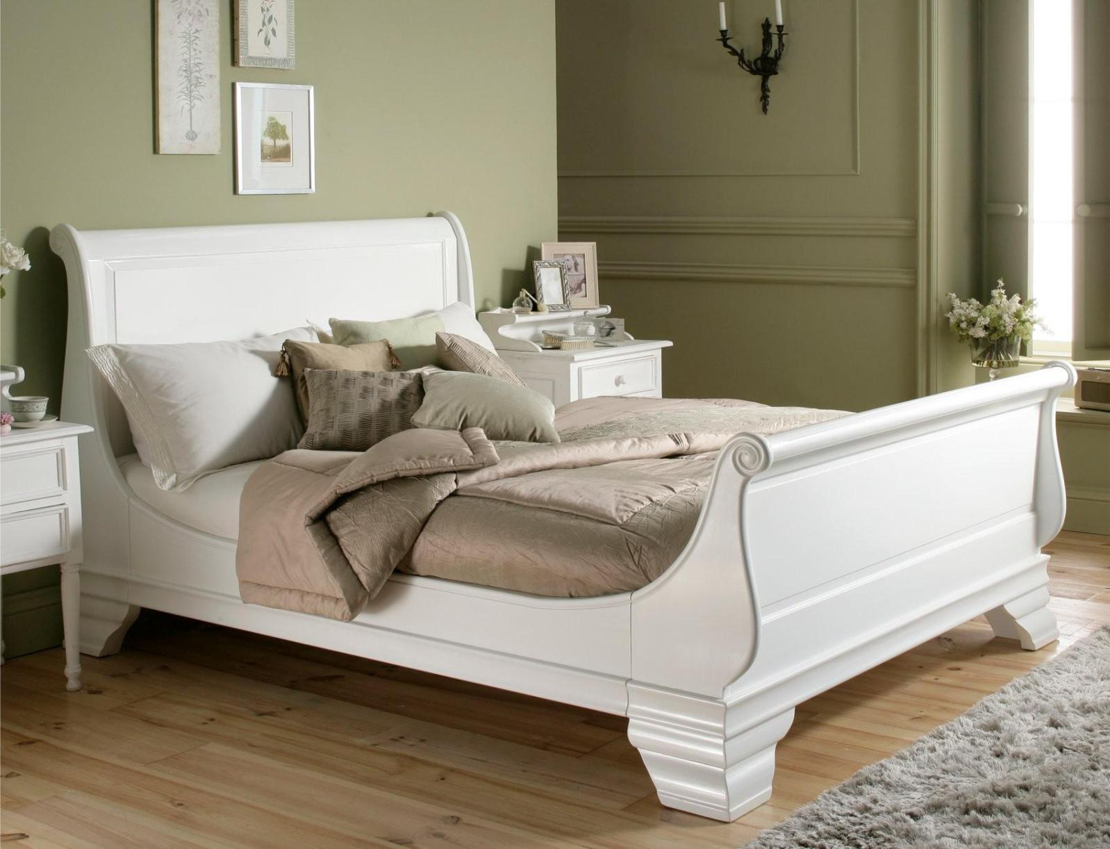 Image of: Wood Sleigh Bed Frame