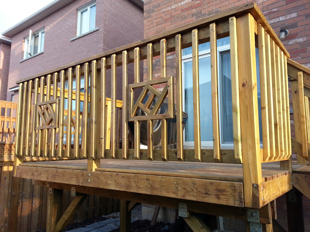 Wooden Deck Baluster