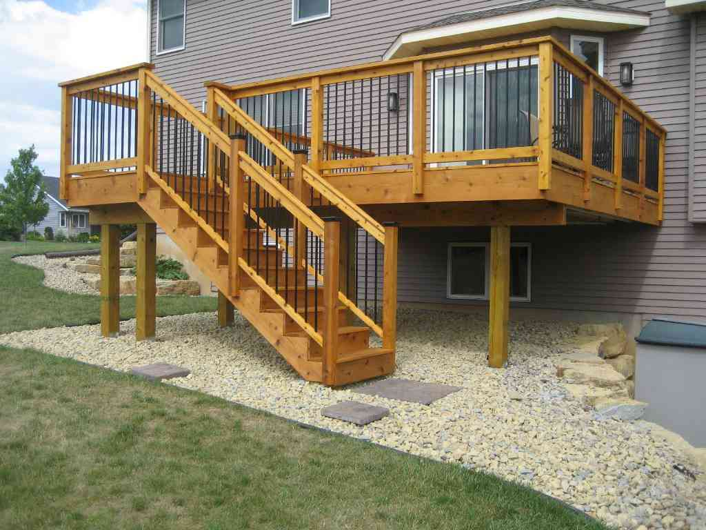 Image of: Wooden Deck Railing Spindles
