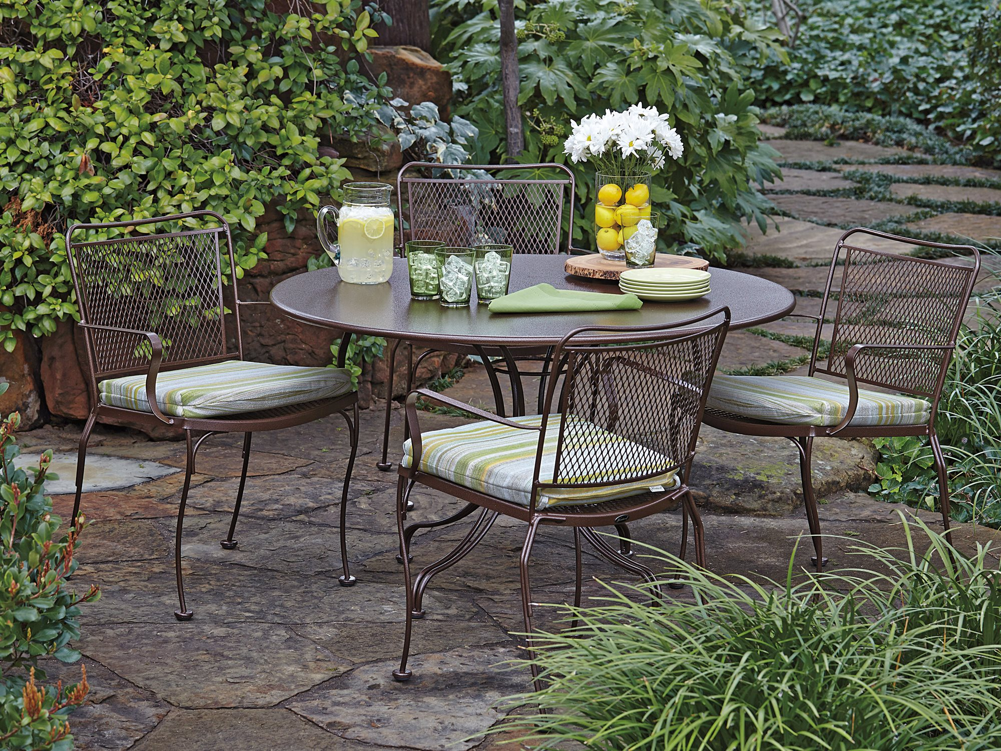 Image of: wrought iron chairs ideas