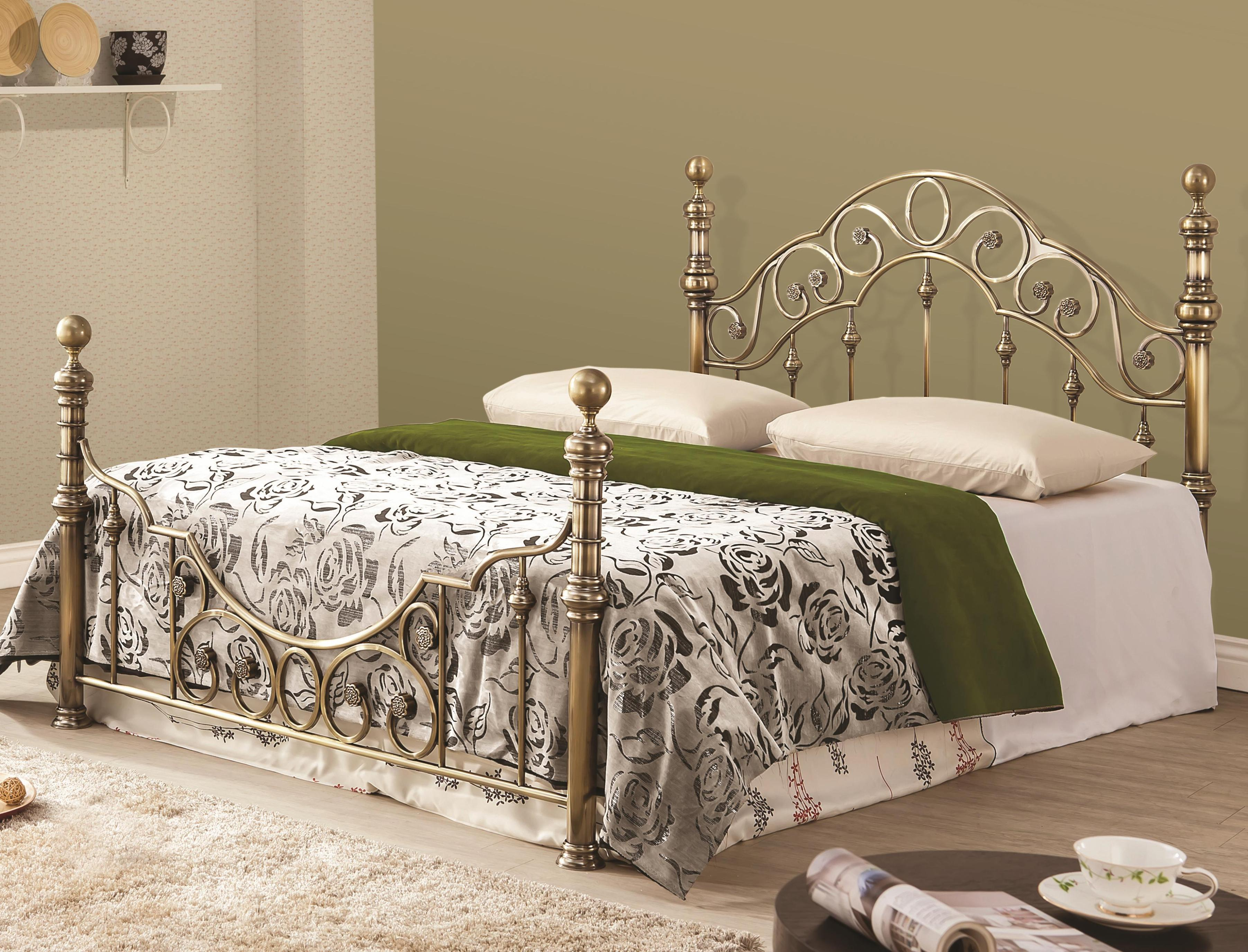 Image of: Wrought Iron Daybed With Trundle