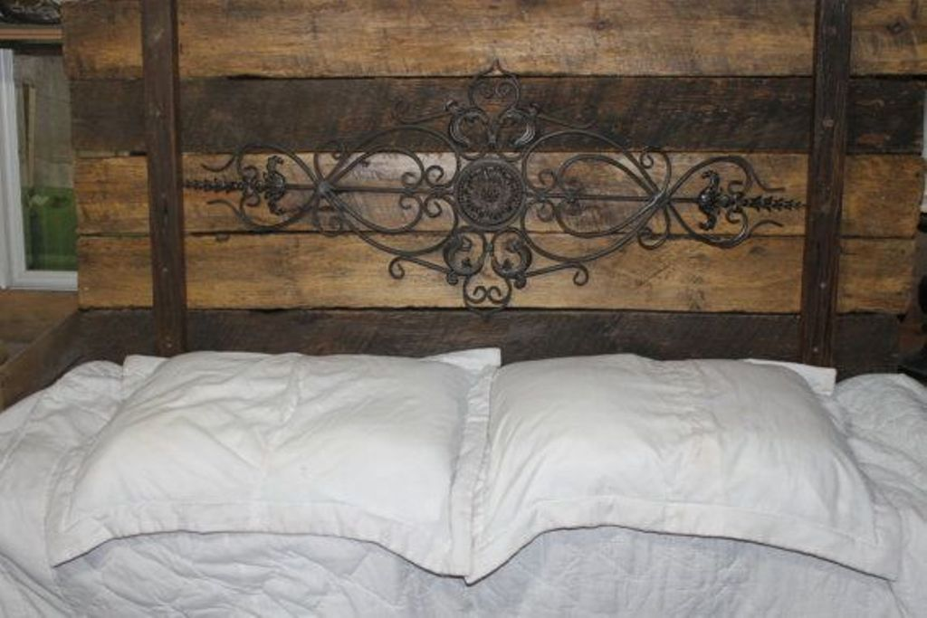 Image of: Wrought Iron Headboard Ideas