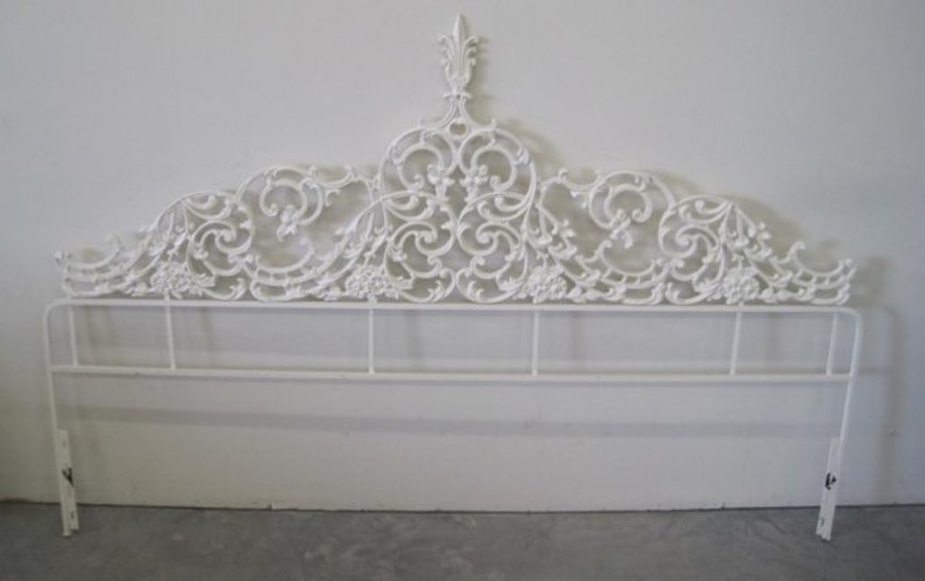 Image of: Wrought Iron Headboards and Footboard