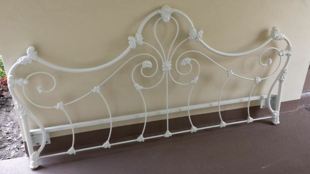 Image of: Wrought Iron Headboards for Full Size Bed