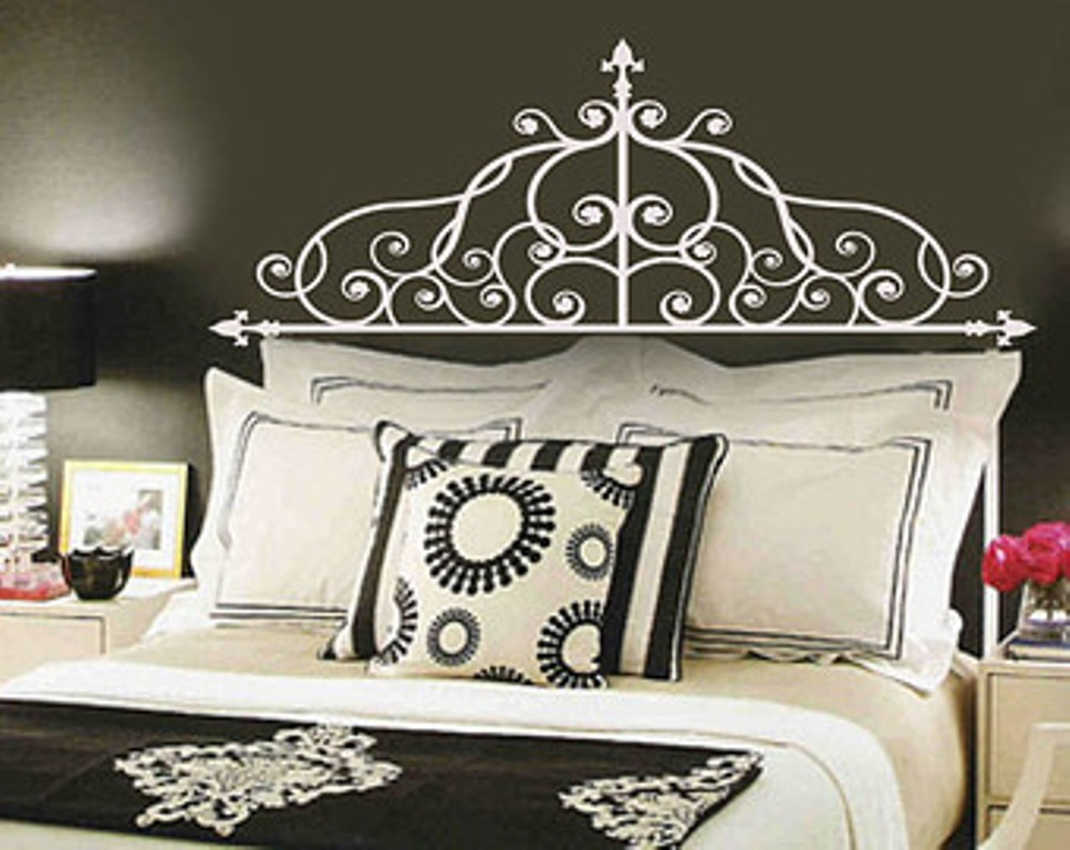 Image of: Wrought Iron Headboards for King Size Beds