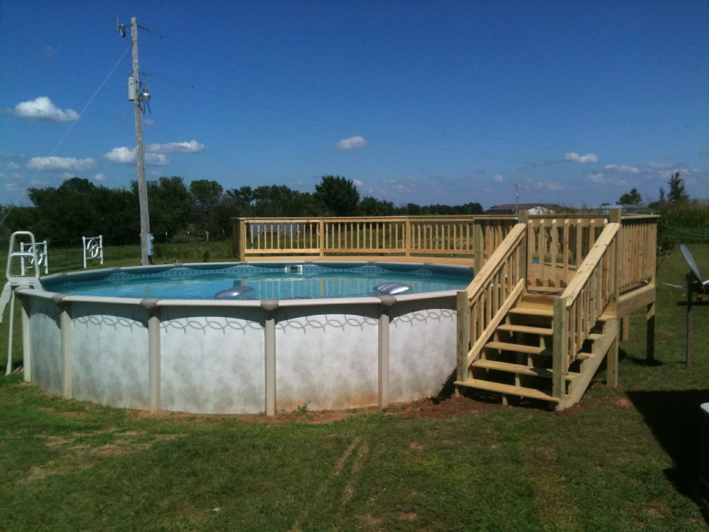 Image of: Above ground pool deck designs Installed