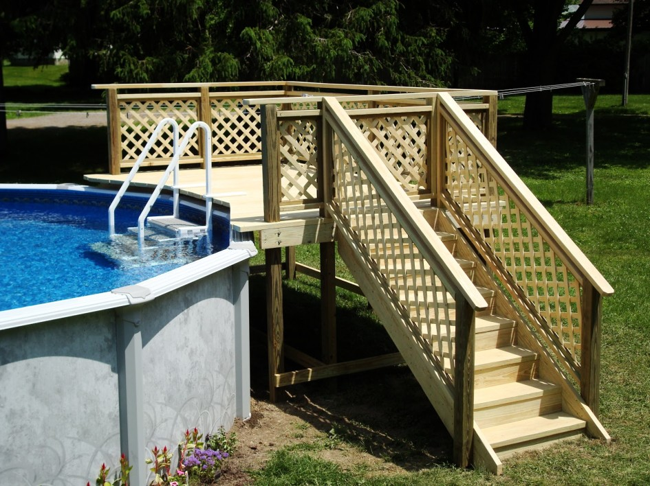 Image of: Aluminum Pool Deck Ideas