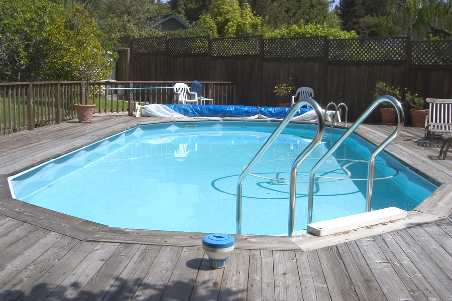 Image of: Aluminum Pool Deck Picture
