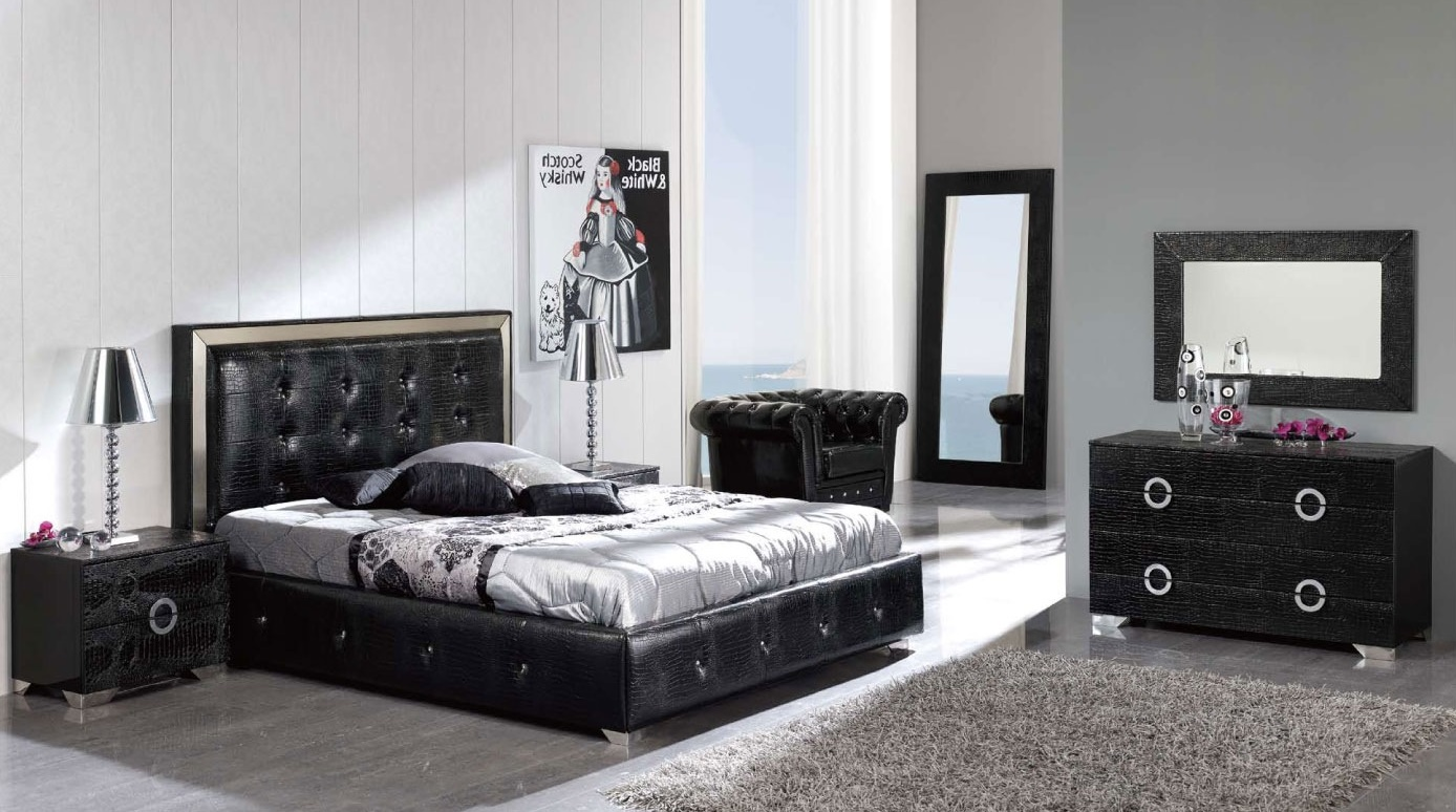 Image of: Amazing Black Dresser With Mirror