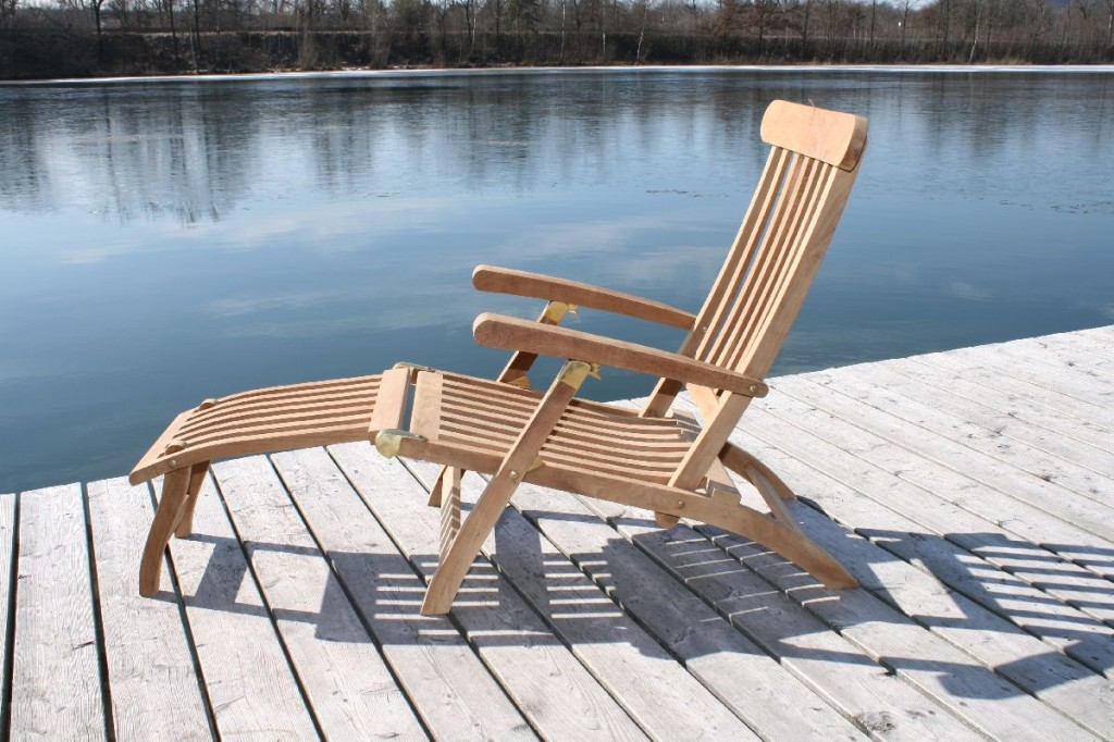 Image of: Amazing Titanic Deck Chair