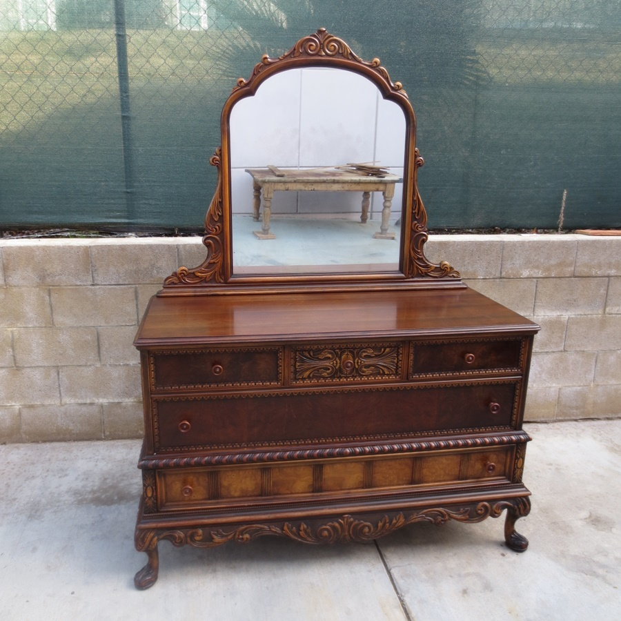 Image of: Antique Dresser With Mirror Ideas