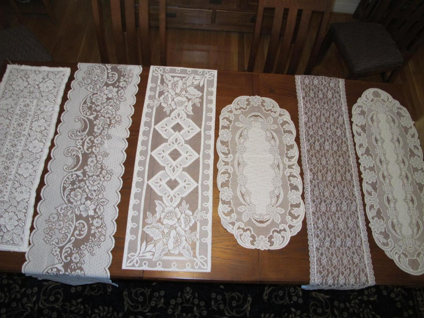Image of: Antique Lace Table Runners