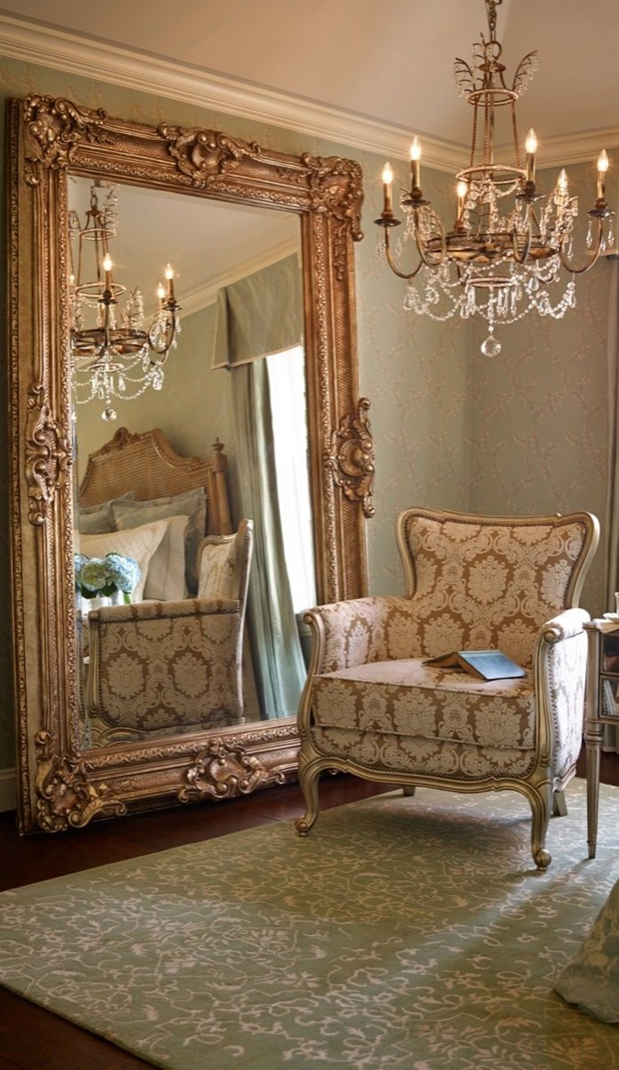 Image of: Antique Large Oversized Wall Mirrors