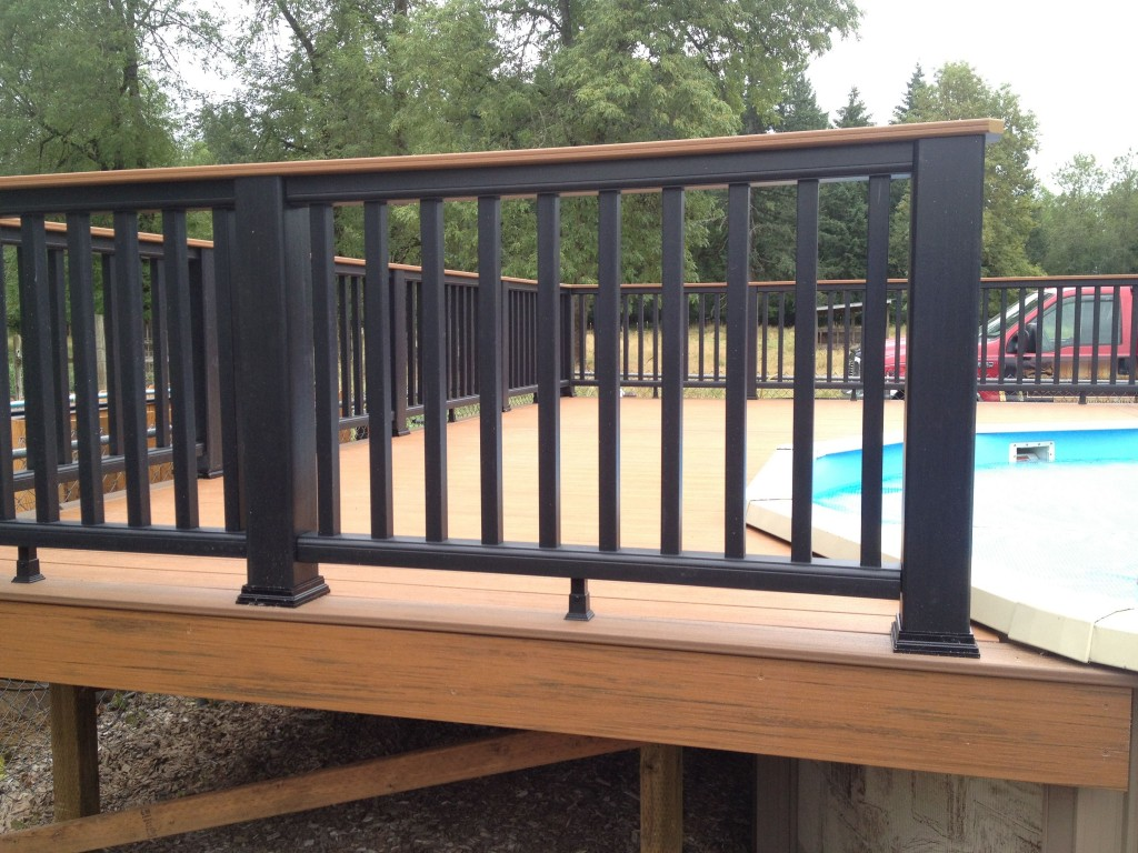 Image of: Amazing Composite Deck Railings Ideas