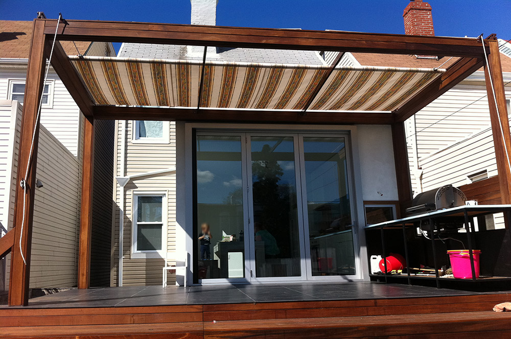 Image of: Awesome Retractable Patio Awning Design