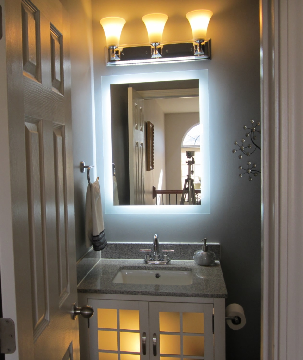Image of: Bath Lighted Makeup Mirror Wall Mounted