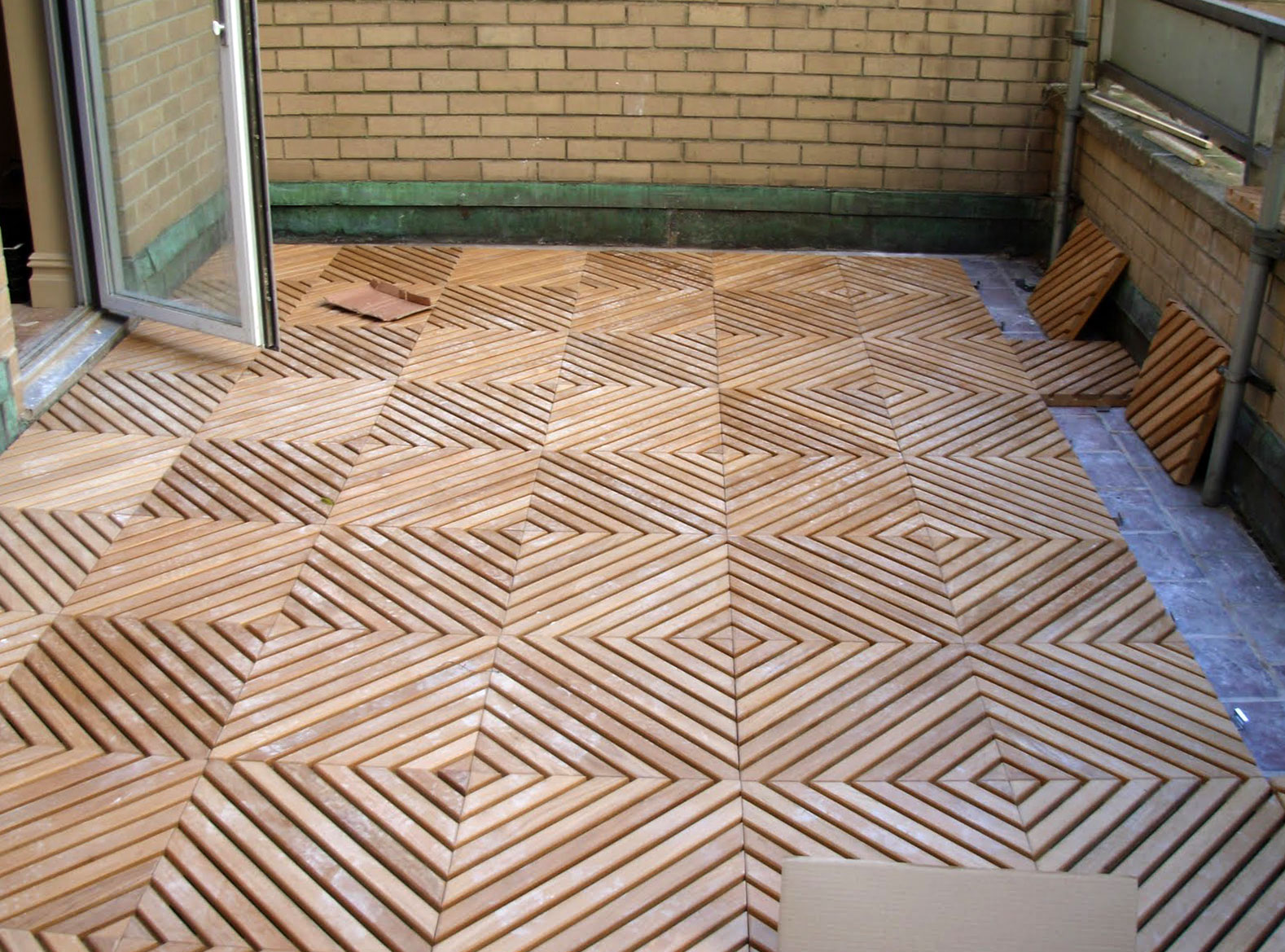 Image of: Beautiful Decking Squares