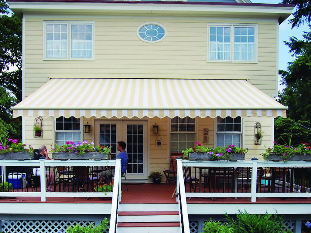 Image of: Beautiful Retractable Deck Awnings
