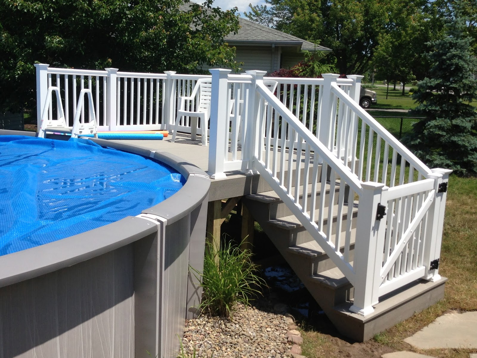 Image of: Best Aluminum Pool Deck