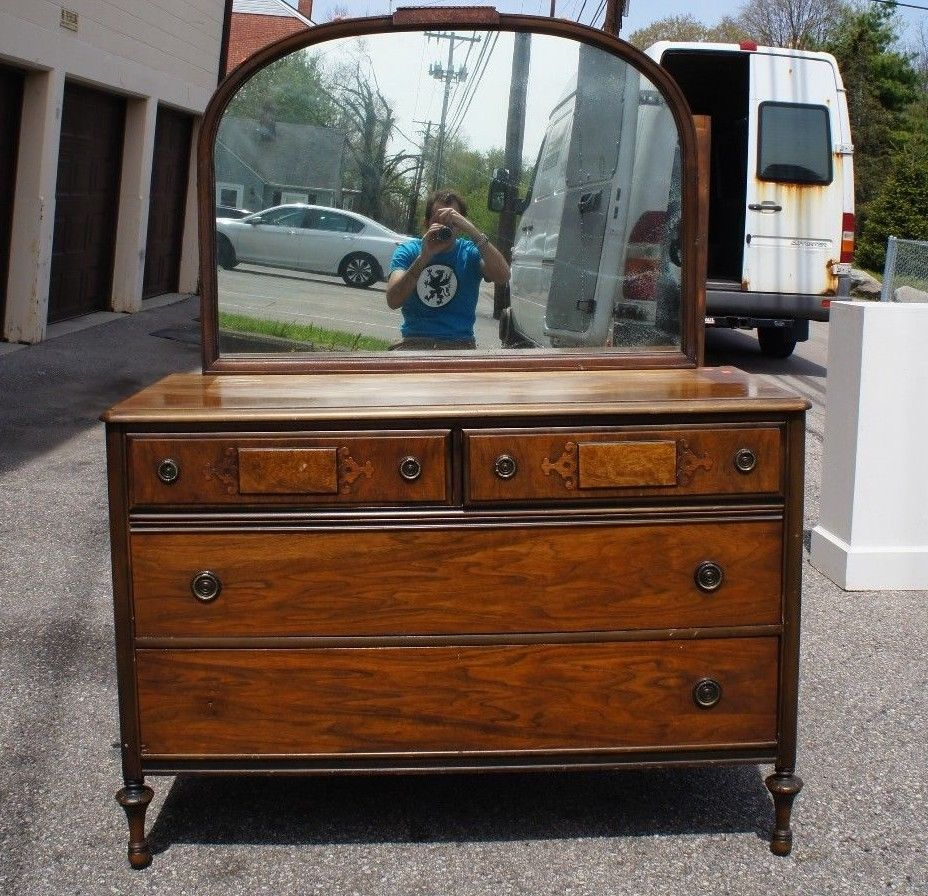 Image of: Best Antique Dresser With Mirror