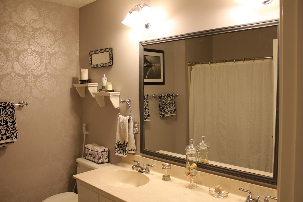 Image of: Best Bathroom Mirrors